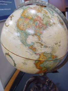 Home_Globe2